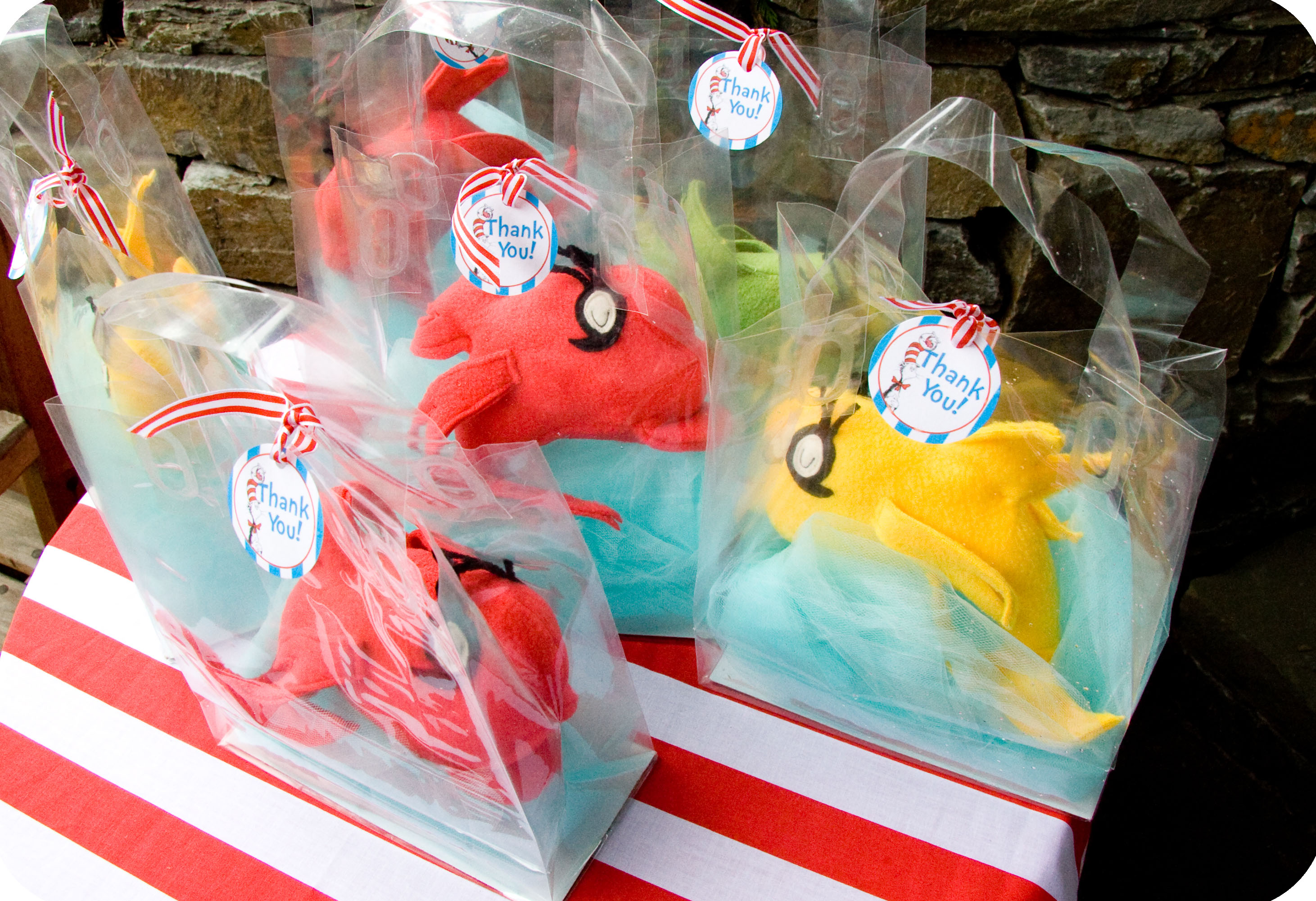 Dr Seuss Party Series Fish Party Favor Tutorial with a Printable