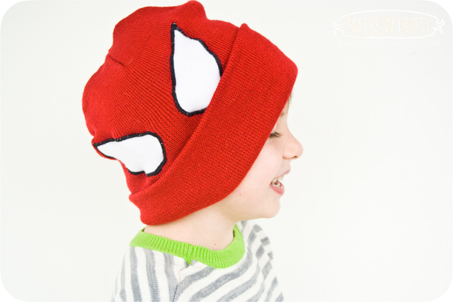 SpideyHat-Sideways-ImFeelinCrafty