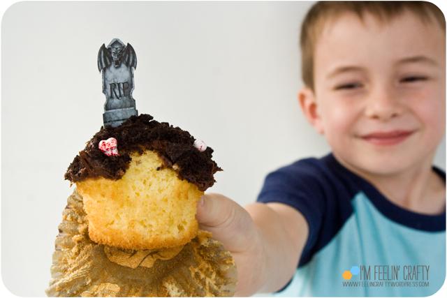 CVS-Cupcakes-EatenCupcake-ImFeelinCrafty