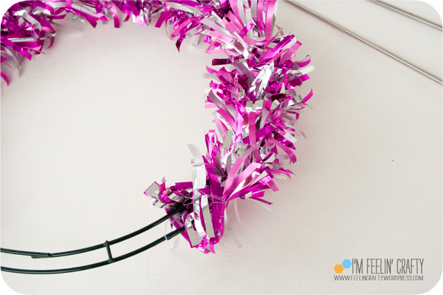 ValentineWreath-Step7-ImFeelinCrafty